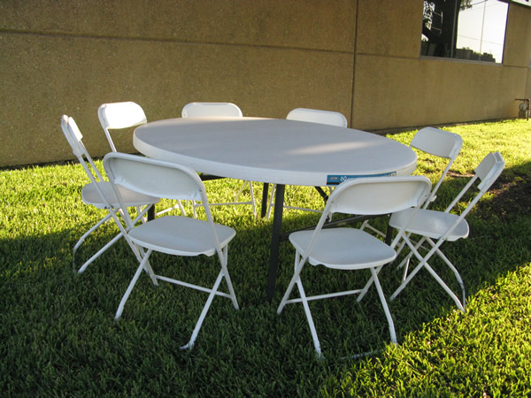 tables and chairs perfect for any location. Upscale tables and chairs rented in Dallas, Plano and Frisco. Our tables and chairs rent for birthday parties, events, family gatherings, and wedding tables and chairs.